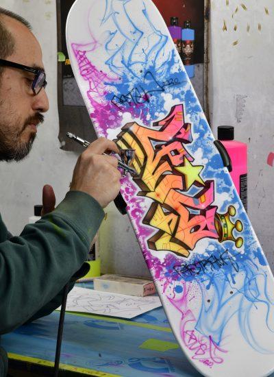 11. Custom skatedeck Graff