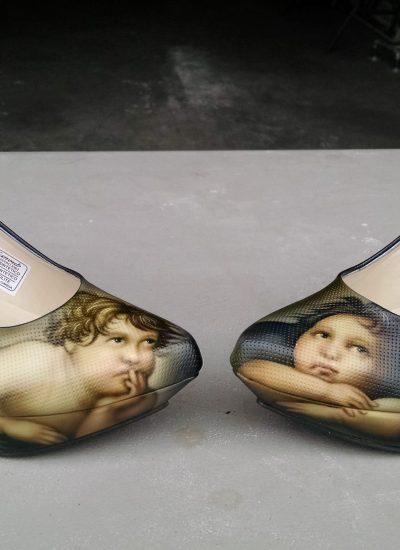 18. Rafael cherubs on shoes