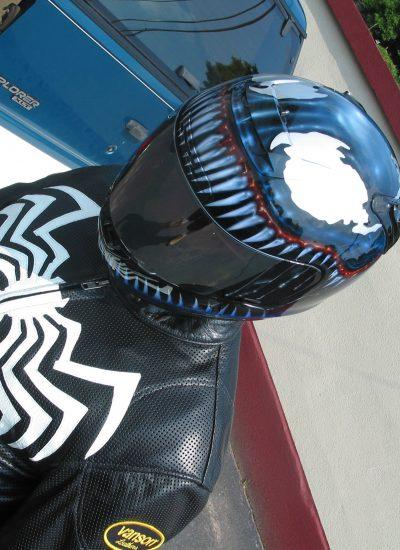 31. Venom helemt and jacket
