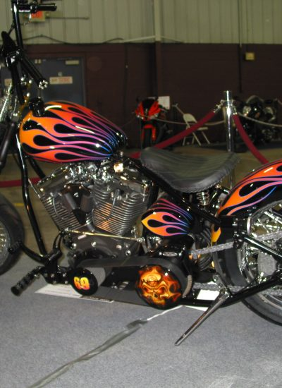 32 Traditional flames on a Bobber